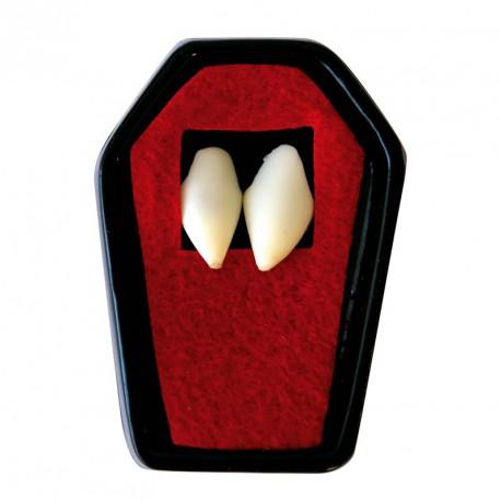 Dientes de vampiro con pegamento 7919987b43e8
